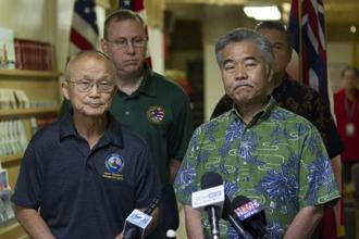 Hawaii governor David Ige (Right) addressed the media following the false alarm issued of a missile launch on Hawaii. Photo: AP