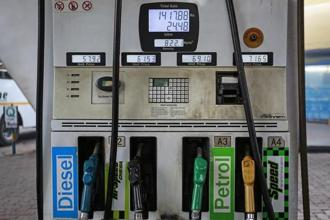 The rally in oil prices has renewed calls to the government to cut excise duty to cushion burden on common man. Photo: Reuters