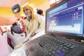 Unique Identification Authority of India (UIDAI) will make available facial recognition on Aadhaar registered devices from 1 July. Photo: Priyanka Parashar/Mint