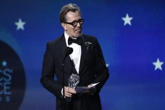 Gary Oldman accepts the best actor award for Darkest Hour in the 23rd Critics' Choice Awards Show in California on 11January 2018. Photo: Reuters