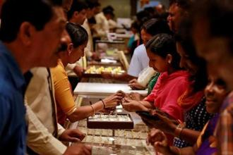Jewellers were not making purchases in India because they expect a duty cut of at least 2% in the budget on 1 February. Photo: Reuters