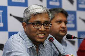 AAP leader Ashutosh said President's order to disqualify AAP MLAs is unconstitutional and dangerous for democracy. Photo: HT