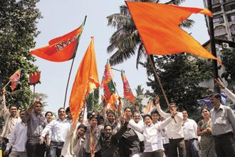 Shiv Sena said why should eyebrows be raised now over its decision when the allies were being sidelined by the BJP in setting its target of winning 380 plus seats in the next general elections. Photo: HT