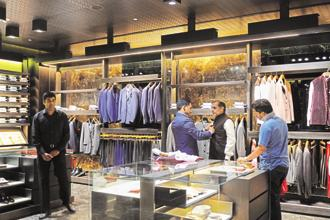 Total revenue from the organized retail sector, across categories, is expected to catapult to $166 billion by FY25 from $55 billion in FY16, Edelweiss Securities said in a report. Photo:  Priyanka Parashar/Mint