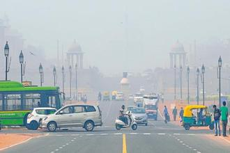 The Economic Survey noted that in recent years, Delhi and adjoining areas had experienced alarmingly poor air quality, especially in winters when farmers in northern India set their paddy fields on fire after harvesting the crop. Photo: Hindustan Times
