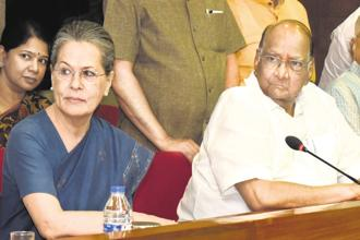 A file photo of Congress leader Sonia Gandhi and NCP chief Sharad Pawar. The two parties are trying to bring the opposition together. Photo: HT
