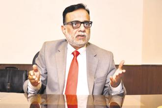 Instead of reducing the rate of income tax, it is always a good idea to boost the economy through spending in rural areas, said Hasmukh Adhia. Photo: Pradeep Gaur