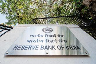 RBI is fully aware of the risks in its neutral stance, it is also rattled by the meltdown in equity and bond markets domestically and in global markets. Photo: Aniruddha Chowdhury/Mint