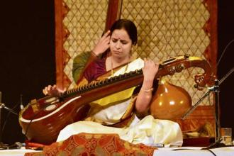 Jayanthi Kumaresh playing the Saraswati veena. Photo: Veejay Sai