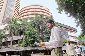 At 9.20am, BSE's 30-share Sensex dropped 1.5%, or 516.43 points, at 34,896.73 points, while National Stock Exchange's 50-share Nifty fell 1.52%, or 160.35 points, to 10,416.50 points. Photo: Hemant Mishra/Mint