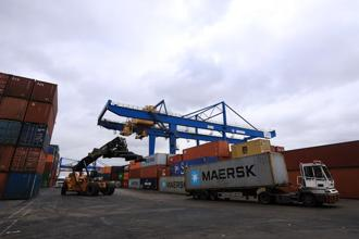 The Copenhagen-based company has already come a long way. In 2014, it took more than 2 hours to complete a container booking at Maersk. In 2016, the average was 22 minutes, and management wants to bring that down to as little as 2 minutes this year. Photo: Bloomberg