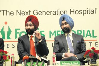 As if the warts in the Daiichi Sankyo-Ranbaxy deal were not enough, it now appears that Malvinder Singh and Shivinder Singh have also been messing around with the finances of Fortis Healthcare and Religare Enterprises. Photo: HT