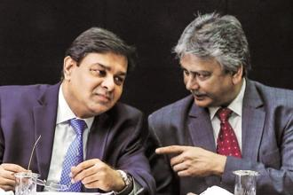 RBI executive director Michael Patra (right) and governor Urjit Patel. Patra was the only MPC member to vote for a hike in interest rates at the central bank's last monetary policy meeting. Photo: Bloomberg