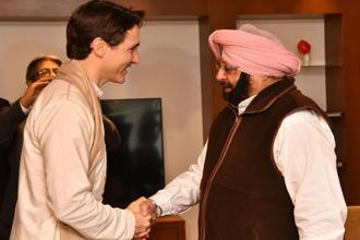 Canadian Prime Minister Justin Trudeau (L) meets with Punjab chief minister Amarinder Singh in Amritsar on Wednesday. Photo: AFP