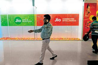 Reliance Jio has stepped up its aggression on the pricing front this year, which means the levels of cash burn will worsen for the industry in the March quarter. Photo: Indranil Bhoumik/Mint
