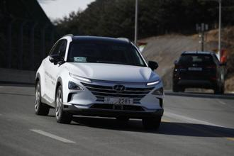 Hyundai on Tuesday unveiled two electric vehicles (EVs)—Nexo and Ioniq—at a business summit in New Delhi. Above, Hyundai's autonomous fuel cell electric vehicle Nexo being tested in Pyeongchang, South Korea. Photo: AP