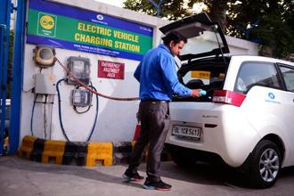 File photo. Every electric vehicle sold should require a dedicated clean source of power to be installed. Photo: Pradeep Gaur/Mint