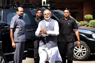 Prime Minister Narendra Modi told officials to work towards a well-designed and targeted scheme, which delivers benefits to the poor and weaker sections of society. Photo: HT