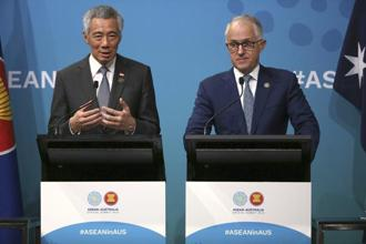 Singapore's Prime Minister Lee Hsien Loong, left, and Australia's Prime Minister Malcolm Turnbull hold a joint press conference at the end of Asean special summit in Sydney on Sunday. Photo: AP
