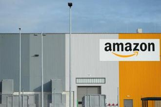 Regional chains are filing for bankruptcy under Amazon's onslaught. Photo: Reuters
