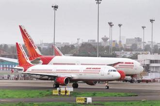 Air India has earlier sought to seek a short-term loan of $180 million from Bank of Baroda for the modification of the two Boeing 777-300 ER aircraft. Photo: Mint