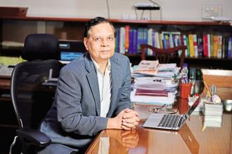 Former NITI Aayog vice chairman Arvind Panagariya, now an economics professor at Columbia University, said bank frauds and NPAs in PSU banks are important reasons for bank privatisation. Photo: Pradeep Gaur/Mint