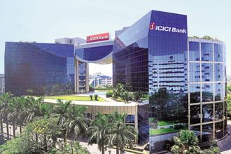 According to 'Bloomberg' data, 50 brokerages have buy ratings on ICICI Bank shares, while 1 has sell and 3 have hold ratings. Photo: Abhijit Bhatlekar/Mint