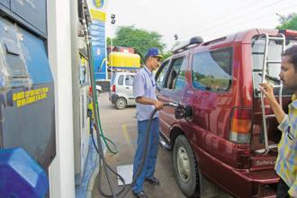 Indian Oil, BPCL and HPCL will supply the BS VI fuel at all their petrol pumps from 1 April. Photo: Ramesh Pathania/Mint