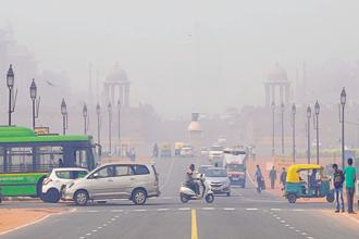 Although Delhi witnesses a spike in particulate matter PM2.5 limits round the year, the ambient PM2.5 concentrations show spikes in October-November, which is also the peak season for paddy harvesting, when abundant crop residue is burnt by farmers to prepare for next crop. File photo: HT