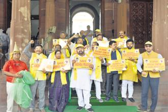 The Telugu Desam Party (TDP) has quit the BJP-led National Democratic Alliance and five YSRCP MPs have submitted their resignations to the Lok Sabha speaker over the Andhra special status issue. Photo: HT