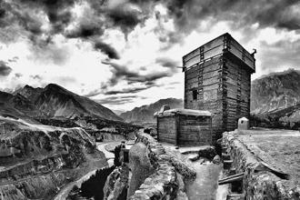'Altit Fort, Hunza'. All images are archival pigment print. Photo credit: William Dalrymple; Courtesy Tasveer Gallery, Mumbai.