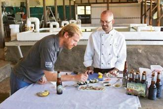 A pearl meat-tasting session at the Cygnet Bay Farm. Photo: Tourism Australia