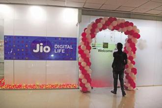 In December 2017, Mukesh Ambani-led Reliance Jio had struck a mega deal to acquire mobile business assets including spectrum, towers and optical fibre network of Reliance Communications. Photo: Mint