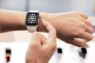Reliance Jio and Bharti Airtel are selling Apple Watch Series 3 from 11 May through their sales channels. Photo: Reuters