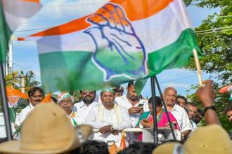 Surveys on Karnataka elections seem to show that the Congress is going to be the single largest party, though Vokkaligas seem to be backing the JDS in large numbers and Lingayats, the BJP. Photo: PTI