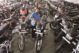 Scooter sales grew faster (or contracted less) than motorcycle sales in 13 out of the 16 months till February this year, when motorcycle sales began to pick up pace over scooters. Photo: Reuters