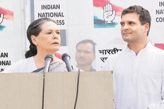 Senior Congress leaders said on Tuesday that former party president Sonia Gandhi was instrumental in the decision to form an alliance with the JD(S), along with party president Rahul Gandhi. Photo: Mint