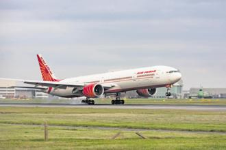 When better-run, profitable Indian airlines are feeling the heat from rising oil prices, what hope is there for Air India? Photo: Alamy