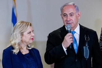A file photo of Benjamin Netanyahu with his wife Sara Netanyahu. The indictment says Sara Netanyahu falsely claimed there were no cooks on staff when the meals were ordered from posh restaurants. Photo: Reuter