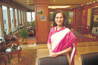 Top ICICI Bank executives, including CEO Chanda Kochhar and executive director Vijay Chandok, wilfully breached rules to avoid classifying the loans as bad, alleges the whistleblower complaint. Photo: Abhijit Bhatlekar/Mint