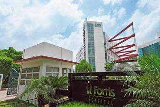 Fortis Healthcare's net loss for the year-ago March quarter was ₹ 63.8 crore. Photo: Ramesh Pathania/Mint