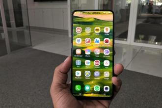 Vivo Nex takes the whole concept of bezel-less phones to the next level.