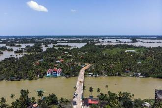 Without large cities, the rescue and relief operations would have to be more spread out across the state, and the challenges presented by towns and villages would have slowed such efforts. Photo: Bloomberg