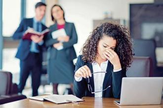 Dealing with a co-worker who behaves badly can be stressful, specially if you cannot talk about it with your colleagues or manager. Photo:iStock