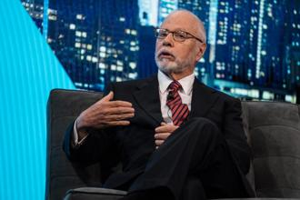 Paul E. Singer, founder of Elliott Management, which was burned when it bet against Volkswagen shares in 2008. Photo: Bloomberg