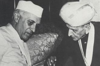 Though they respected each other, Visvesvaraya (right) had disagreements with Jawaharlal Nehru. Photo: Alamy