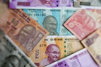 Markets gave a thumbs down to the government proposals to stabilize rupee, with the currency dropping 1.5% so far this week to close at 72.975 to a dollar on Tuesday. Photo: Bloomberg