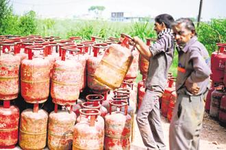 Subsidised domestic cooking gas prices have been increased by Rs 2.89 per 14.2 kg cylinder to Rs 502.40, an all-time high. Photo: Mint