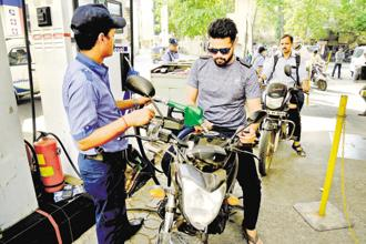 The government cut the excise tax on gasoline and diesel by Rs 1.5 a litre and asked state-run oil marketing companies to absorb another Re 1 /litre on the sale of these fuels. Photo: Abhijit Bhatlekar/Mint