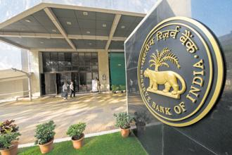 FPIs will have to retain in India a minimum percentage of their investments for a period of their choice to invest under VRR, according to the RBI. Photo: Mint